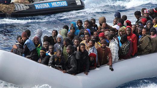 WikiLeaks: La UE atacará a embarcaciones de refugiados en el Mediterráneo