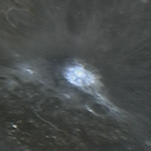 Reactor de Fusión Extraterrestre en la Luna