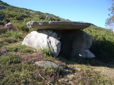 A Fornerlla dos Mouros de Aprazaduiro (Laxe. 2500-2000 a.C.)