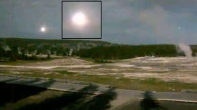 Yellowstone: OVNI esférico y luminoso es capturado en vídeo