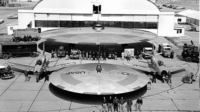 El 90% de los OVNIS han sido creados por científicos NAZIS en la Antártida desde 1921