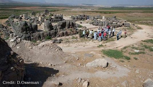 borrador automatico 140 - El misterio de las huellas gigantes en el Templo de Ain Dara