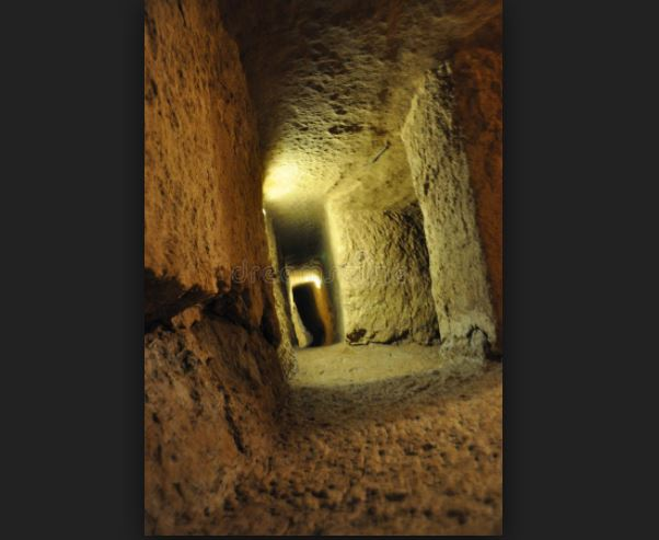 El enigma de la ciudad subterránea de Nushabad: Por qué sus habitantes vivían bajo Tierra?