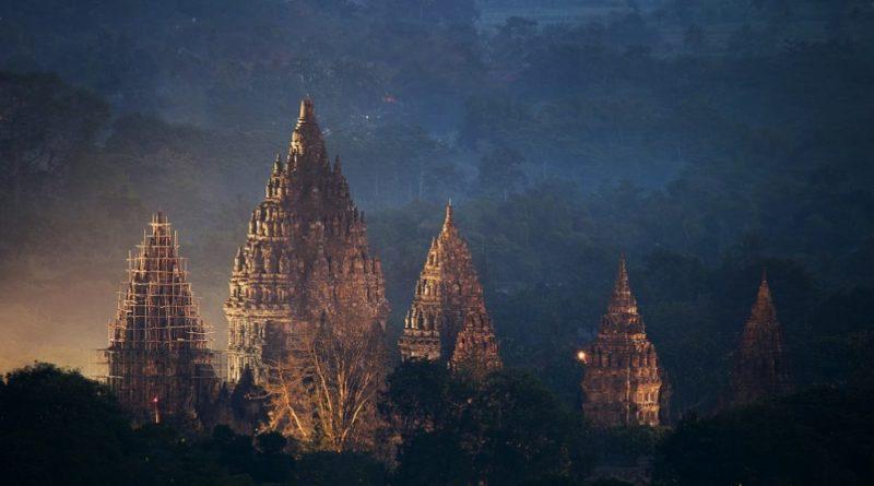El complejo del templo de Prambanan: las 240 estructuras hindúes antiguas similares a un cohete