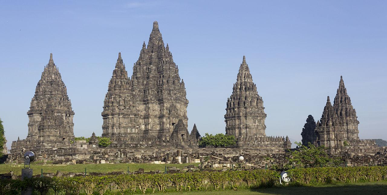 15179920001946044517515602341994 - El complejo del templo de Prambanan: las 240 estructuras hindúes antiguas similares a un cohete