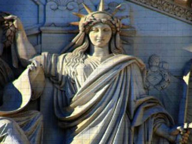 La estatua de La Libertad representa al Diablo