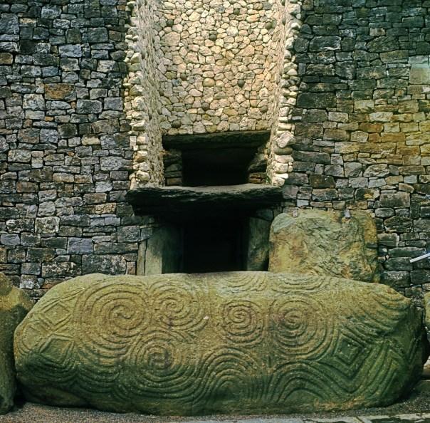 Newgrange: un monumento cósmico de 5.000 años de antigüedad que precede a las pirámides en 500 años