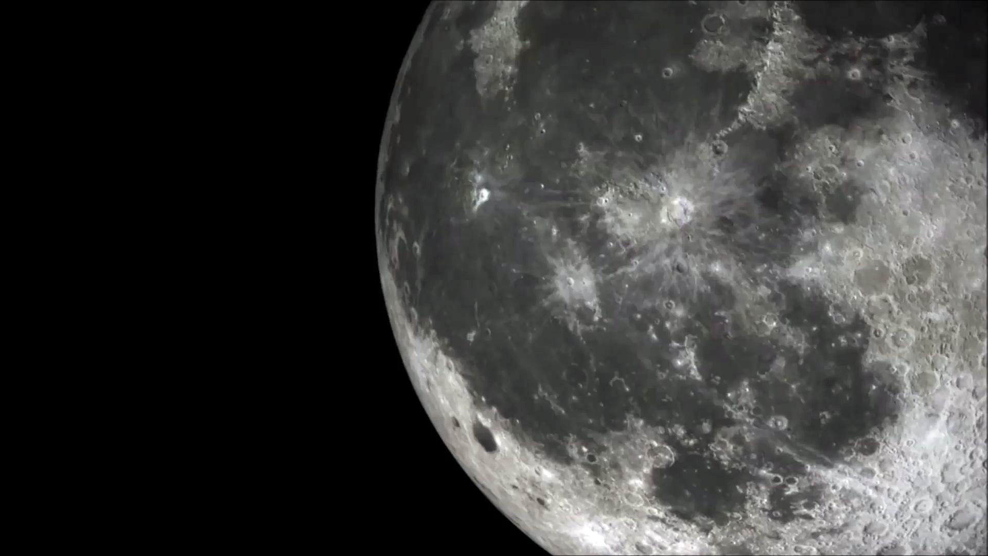 OVNI que sale de la luna en enero de 2018 filmado por un investigador de su telescopio en México