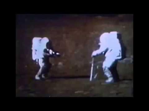 Un video de Apollo 15 muestra que hay sonido en el espacio, pero el sonido en el vacío es imposible!