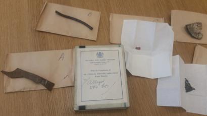 Silpho Moor 'trozos de OVNI' encontrados en el archivo del Museo de Ciencias