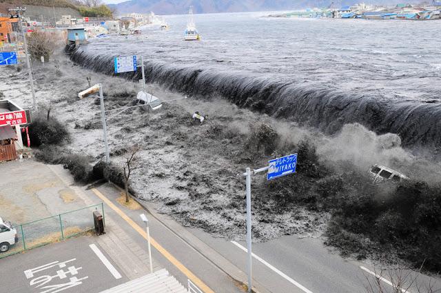 ¿Fue creado El tsunami del 2004  por los Estados Unidos?