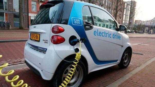 """""""Si todos los coches fueran eléctricos, moriríamos mañana mismo por las lluvias ácidas"""""""