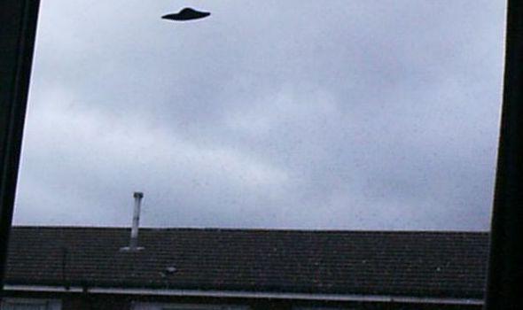 Existen bases alienígenas bajo el Reino Unido, afirma investigador OVNI