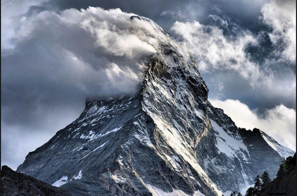 Extraterrestres vivirían en la única montaña que nadie logra escalar