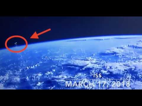 Los ovnis se vuelven visibles durante unos pocos minutos desde el ISS  sobre la tierra