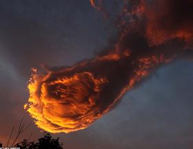 ¿El puño de Dios golpea el cielo?: Impresionante fotografía de los cielos de Portugal