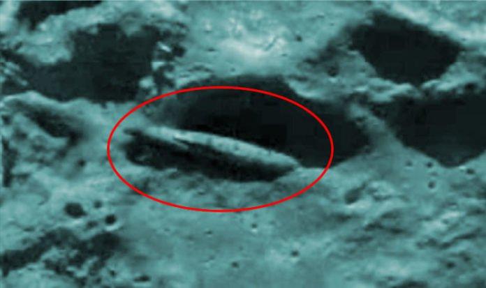 """Investigador de que """"Una nave espacial alienígena yace en el cráter lunar de Manilius"""""""