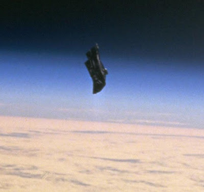 """El Transbordador Columbia STS 107 Entró En El Espacio de Seguridad del """"Caballero Negro""""?"""