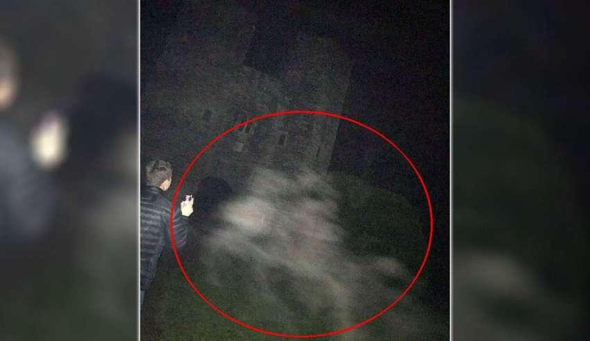 Fotografían los fantasmas de dos caballos en uno de los castillos más embrujados de Inglaterra