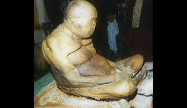 la momia budista de 200 años los monjes aseguran que no esta muerta 1 - La Momia Budista De 200 AñOs, Los Monjes Aseguran Que No Esta Muerta