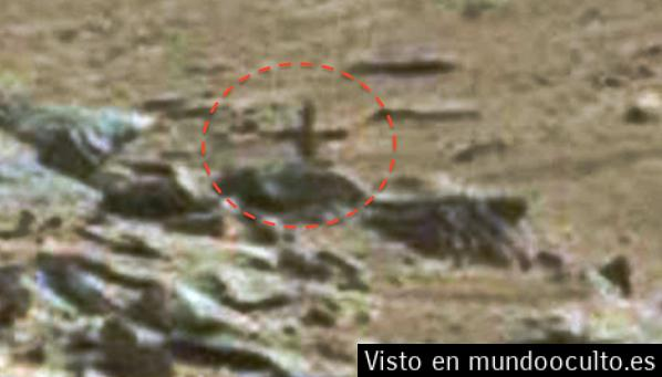 ¿Una cruz en Marte? Fotografía de NASA causa revuelo entre cazadores de anomalías