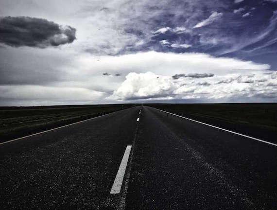 Autoestop de demonios, extraños suicidas y una misteriosa entidad en Dakota del Sur