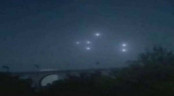Avistados OVNIS sobre Manchester en Inglaterra cada quince días