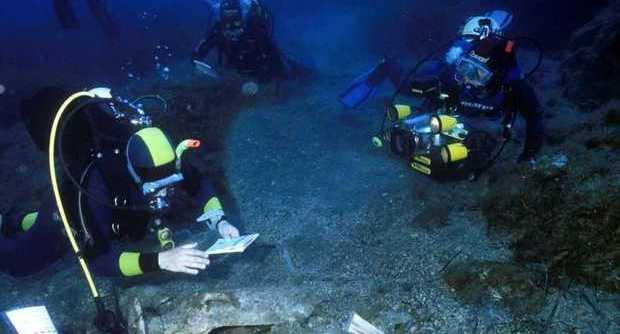 Encuentran 39 lingotes de oricalco de hace 2600 años en el mar de Gela, al sur de la isla de Sicilia