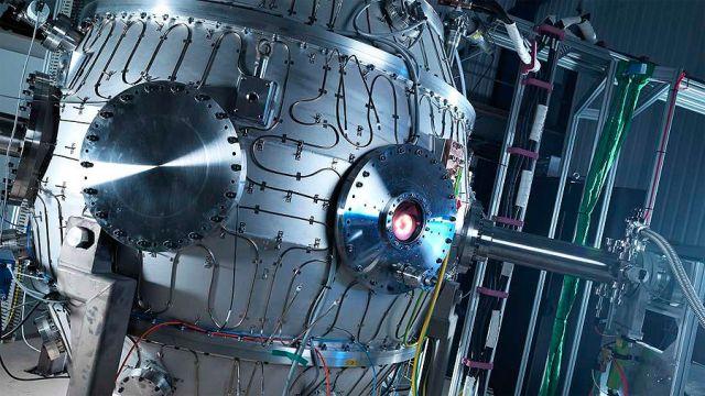 Mini reactor de fusión nuclear alcanza una temperatura más cálida que el Sol