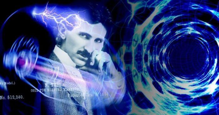 ¿Nikola Tesla abrió portal espacio-temporal para hacer viajes a través del tiempo?