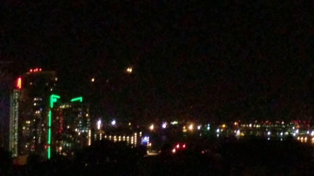 Extrañas luces sobre San Diego varios testigos las graban