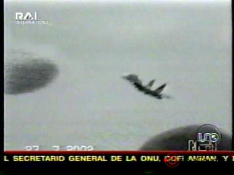 Ovni estrella avion caza Su-27 en Lviv Ucrania – 27 Jul 2002