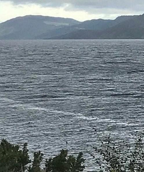 Una niña capturó la mejor imagen del Monstruo del Lago Ness en años. Vuelve la leyenda?