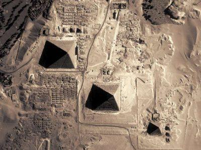 ALINEACIÓN DE MONUMENTOS ANCESTRALES