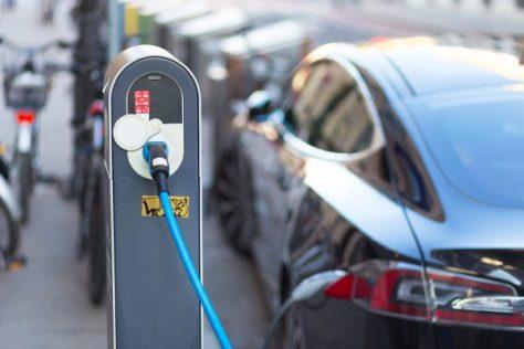Podrían los carros eléctricos generar una catástrofe en el mercado mundial de petróleo?