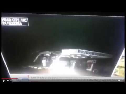 Impresionante objeto de luz baja durante una transmisión en vivo de Fox News durante el huracán Florence