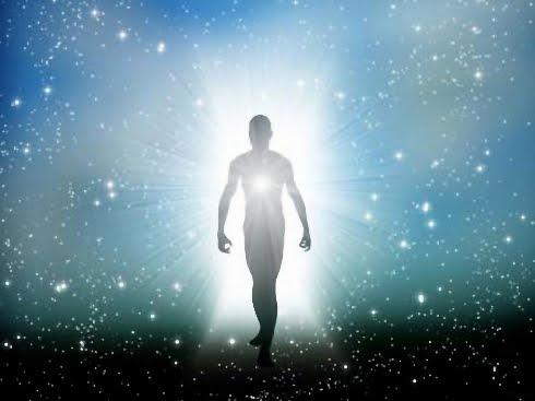 """La física demuestra que hay vida después de la muerte, pero """"nuestra mente no lo ve"""""""