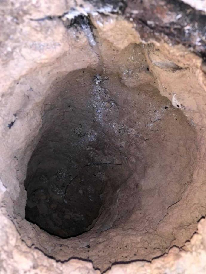 Meteorito? Jefe de Bomberos encuentra un extraño agujero con mucha temperatura en Arkansas