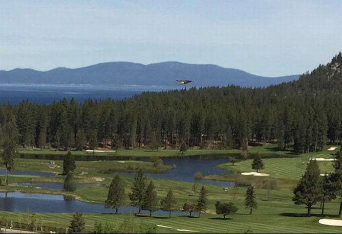 OVNI triangular captado en el Lago Tahoe en California, EE.UU.