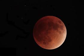 Se registraron avistamientos de ovnis en la noche de la superluna