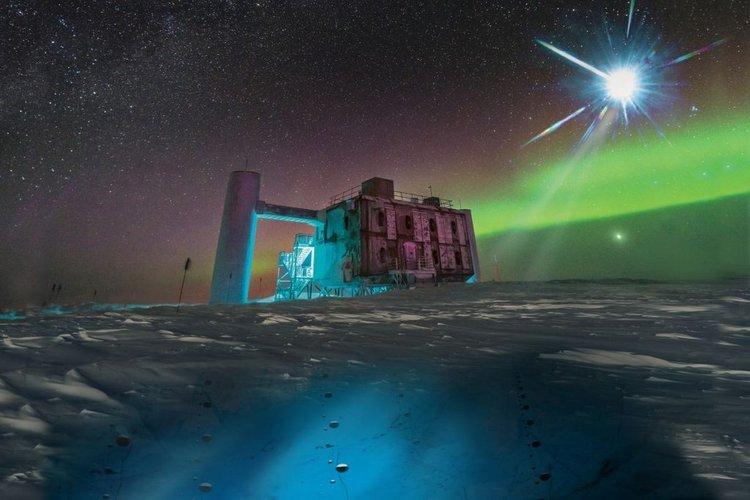 """Se detectaron rayos desconocidos disparando desde las profundidades del Polo Sur de la Antártida: """"Puede romper el modelo estándar de la física"""""""
