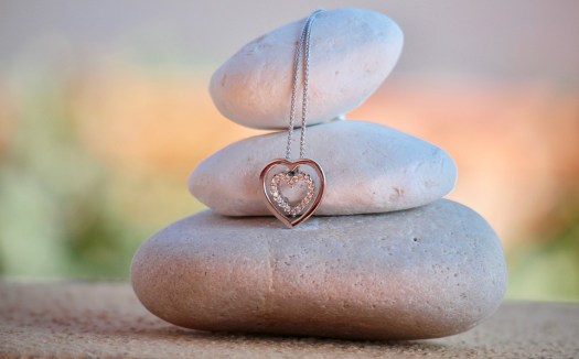 Ten estas piedras siempre cerca de ti para mantenerte limpio de envidia y malas energías