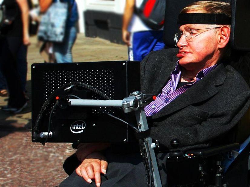 Hawking contra CRISPR: su último libro predice la aparición de una peligrosa elite de superhumanos