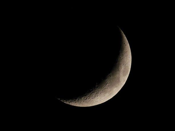 La otra cara de la Luna podría tener una base extraterrestre