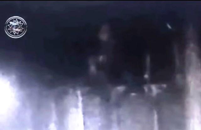 Rusia: invasión alienígena en una base militar secreta.¡Las cámaras graban Entidades Humanoides y Esfera de Luz!
