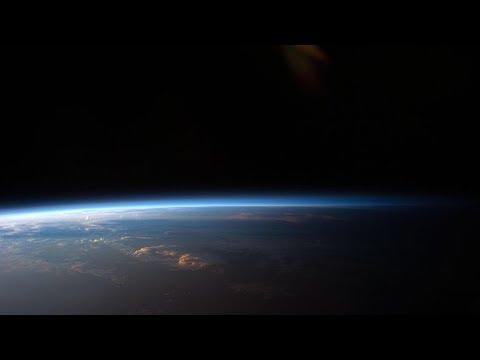 """""""Algo realmente inesperado"""": Revelan nuevos detalles sobre las misteriosas ráfagas rápidas cósmicas"""