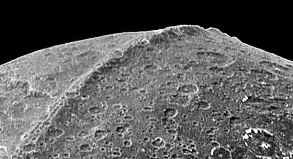 La más misteriosa cordillera de nuestro sistema solar – ¿Sería artificial?