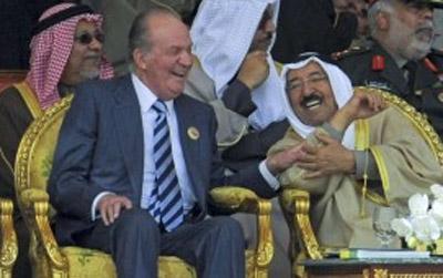 Desvelado porque en España los carburantes son más caros: Según afirma el catedrático Centeno el Rey Juan Carlos se llevaba 1 ò 2 dólares por barril de petróleo.