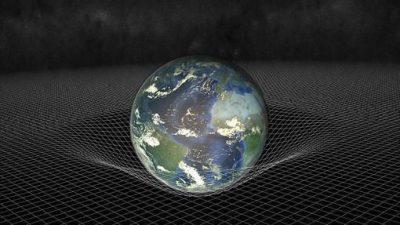 El famoso cosmólogo británico aborda en «El próximo paso», la poshumanidad, los viajes espaciales y la existencia de civilizaciones fuera de la Tierra