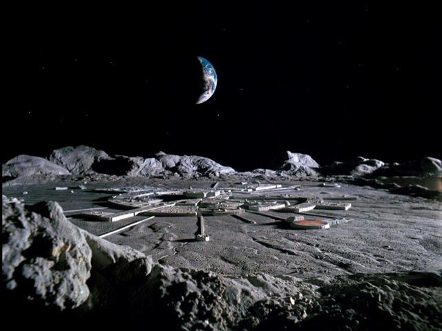 Una Ex-Militar de la Fuerza Aérea de los EE.UU. Afirma Haber Sido Abducida y Llevada a Una Base Secreta en La Luna